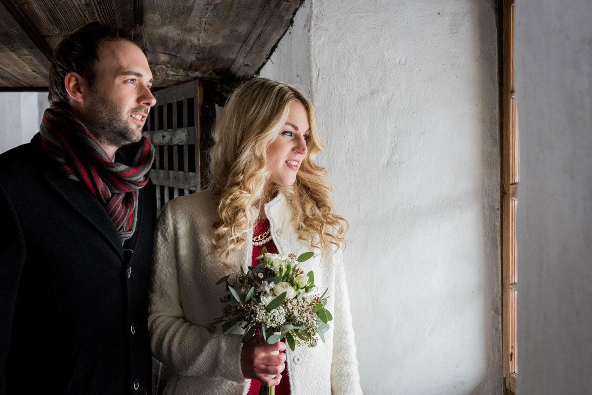 Brautpaar-Shooting-auf-der-Schattenburg-Feldkirch-Hochzeitsfotograf-Schweiz