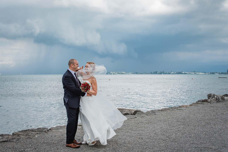 windiges-Brautpaar-Shooting-in-Staad