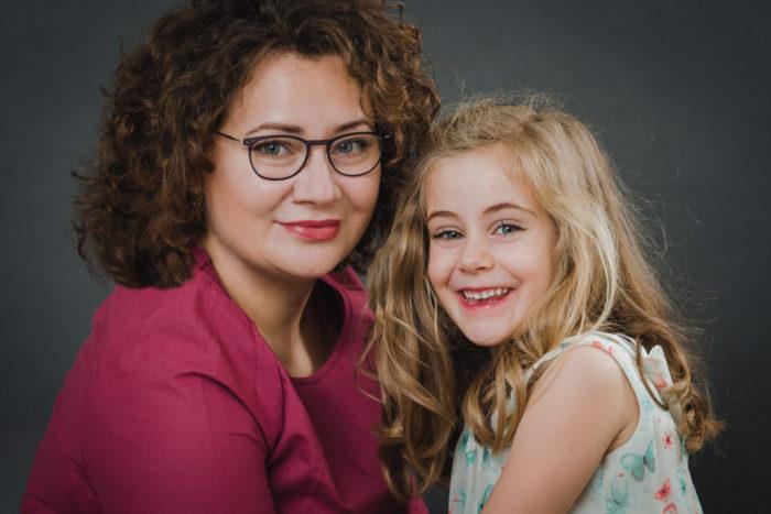 Familienportrait Mutter und Tochter