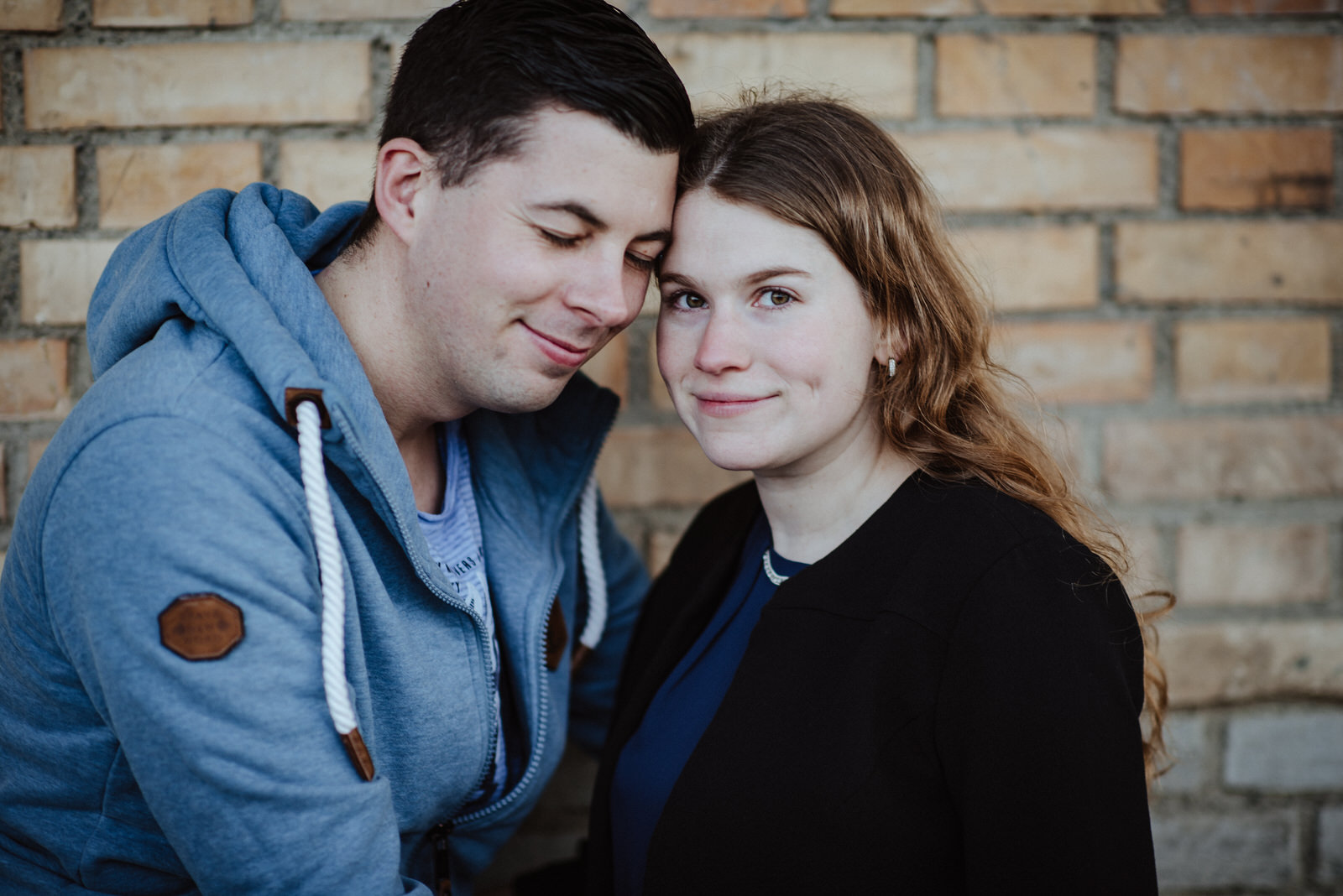 Paar Shooting vor der Hochzeit