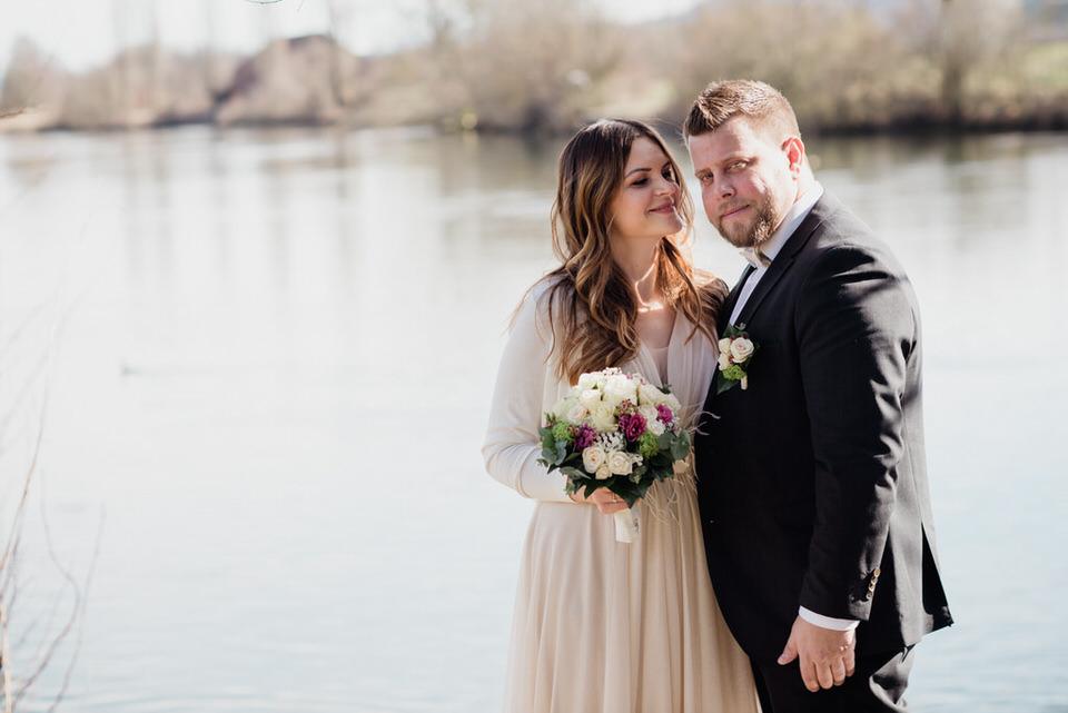 Hochzeitsfotograf Zürich Brautpaarbilder an der Limmat