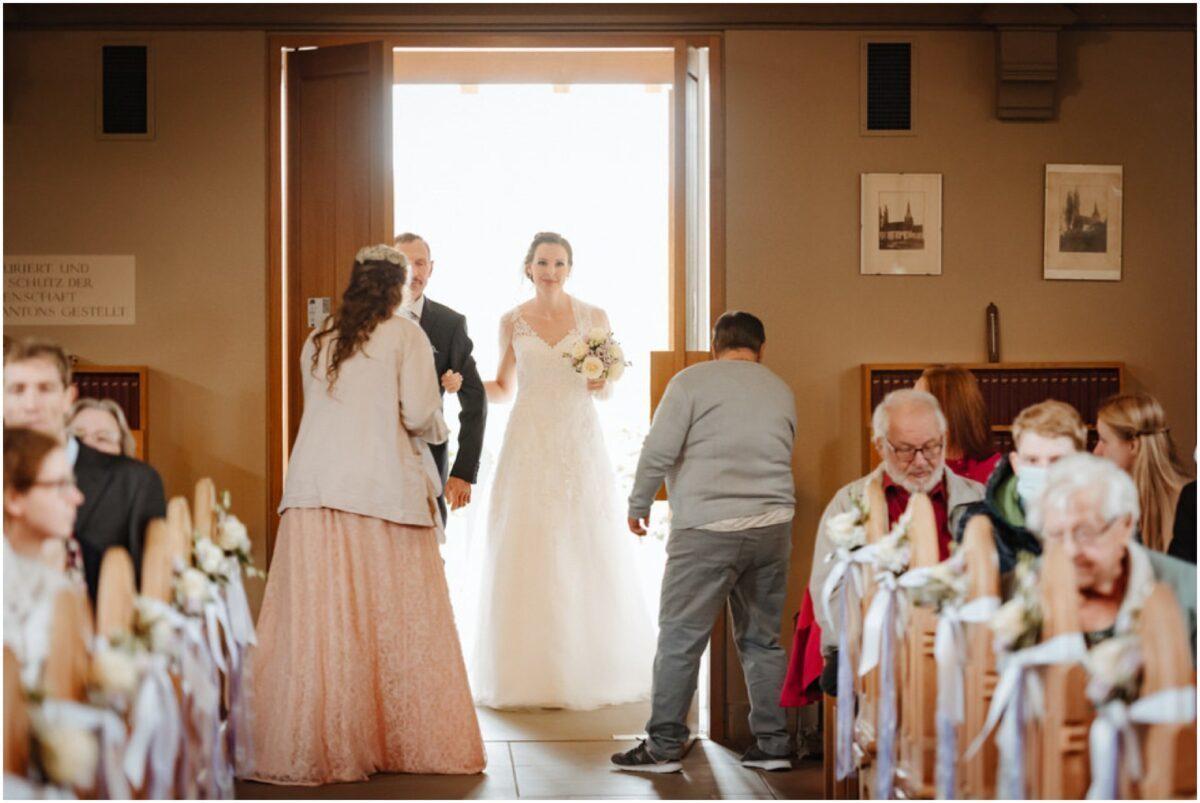 Einzug Braut in die Kirche
