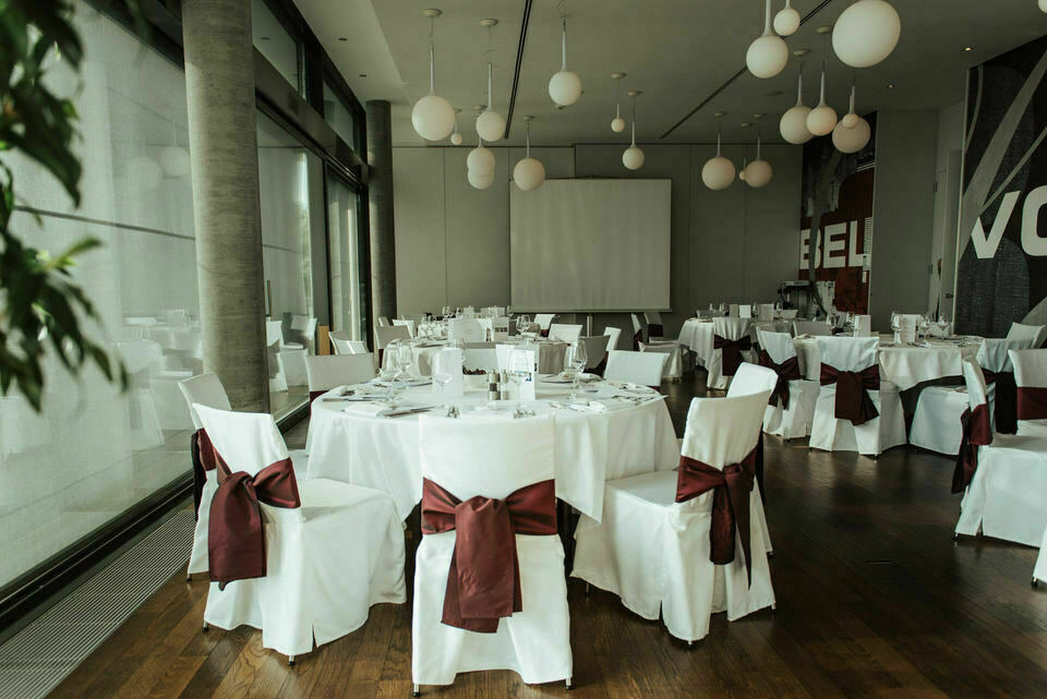 Hochzeitslocation Hotel Belvoir mit Blick auf Zürichsee